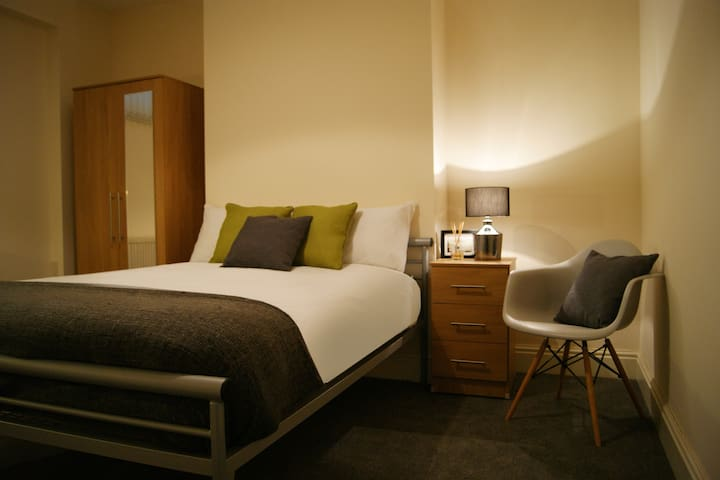 Birmingham Guesthouse 1, Room 1 - Oldbury - Pension