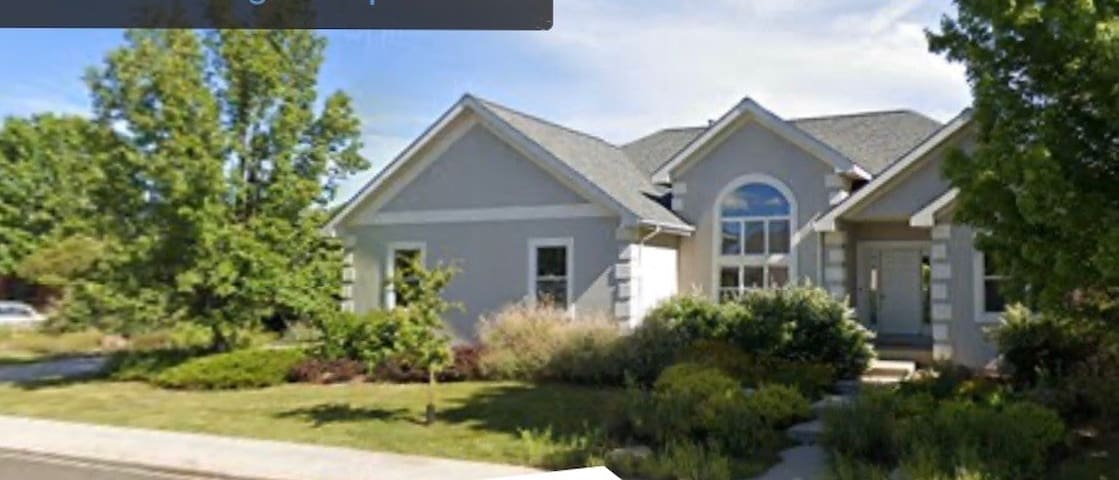 Beautiful Home on Spring Creek Trail in Ft Collins