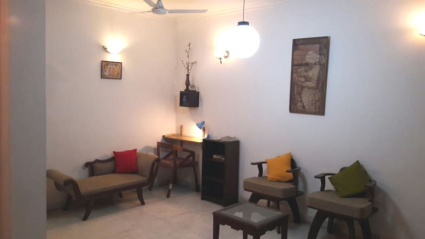 PARADISO Furnished Studio A-28 Apt Nizamuddin East