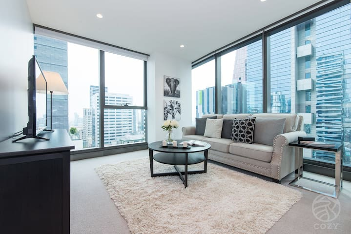 03*2BR Hepburn Style Apt*Door Step to Mel Central*