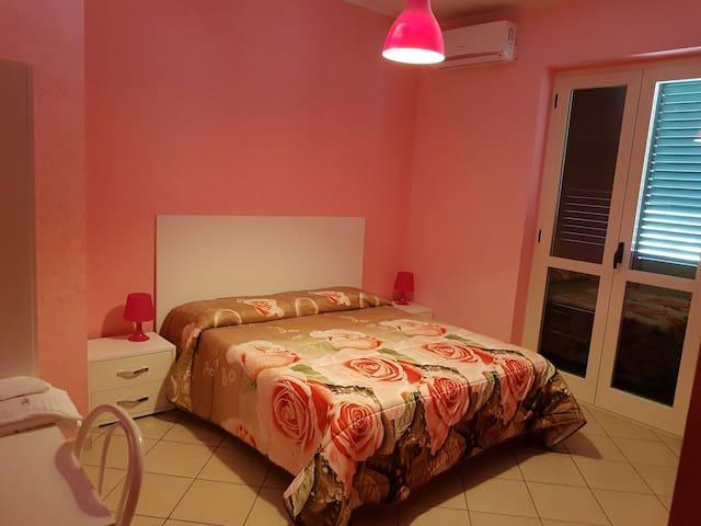 Camera doppia con bagno pvt interno - Cimitile