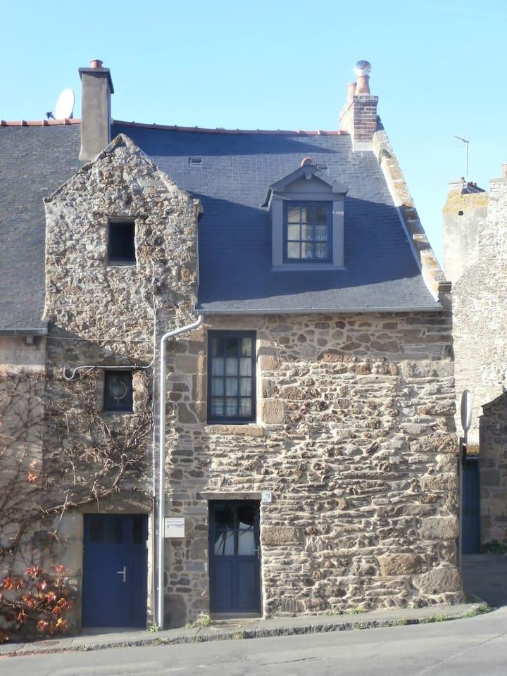 Maison de pêcheurs du 17ème siècle en centre ville