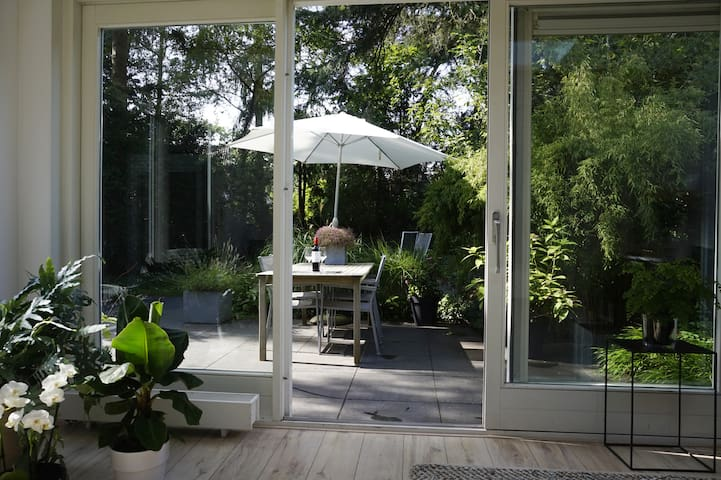 stylish 100 sqm forest apartment near Utrecht