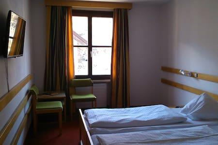Doppelzimmer mit oder ohne Frühstück - Ház
