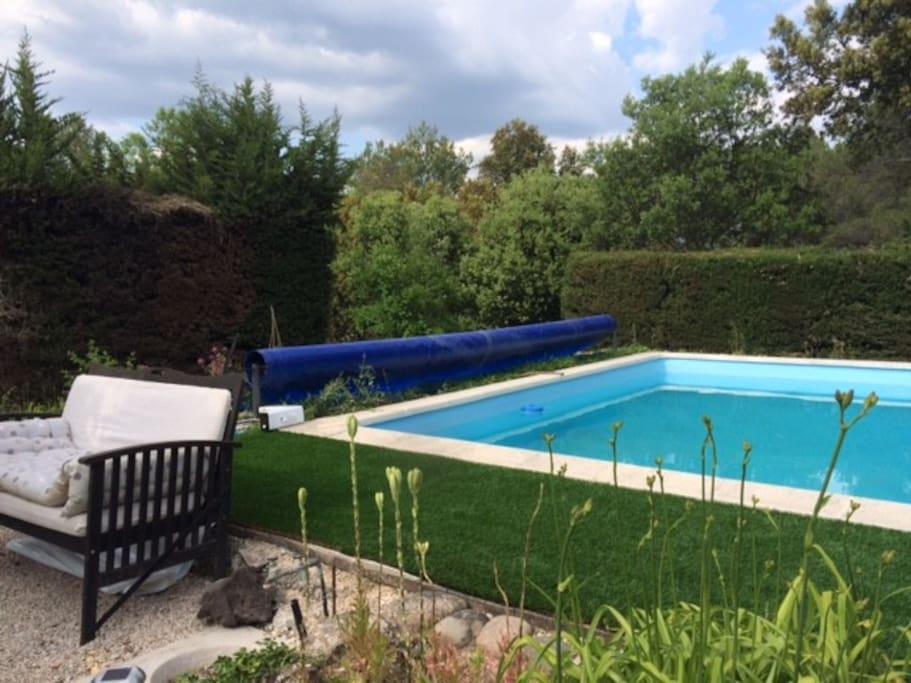 3 chambres dans villa avec piscine maisons louer for Piscine fuveau