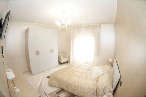 Altair-Matrimonial/Doppelzimmer, Balkon und eigenes Badezimmer