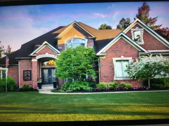 Contemporary Lake Michigan Retreat Home