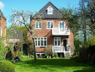 Charming House in Husum-City - Husum