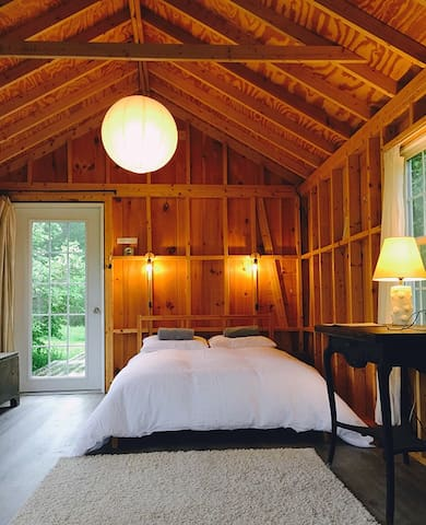 Catskill Off-Grid Cabin Retreat
