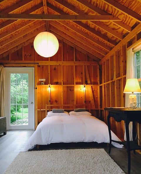 Catskill Off-Grid Cabin Retreat