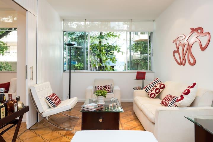 Cozy apartment- Ipanema between the Sea and Lagoon