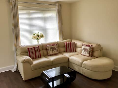 Simple and Cosy Room in Highfields, Derby