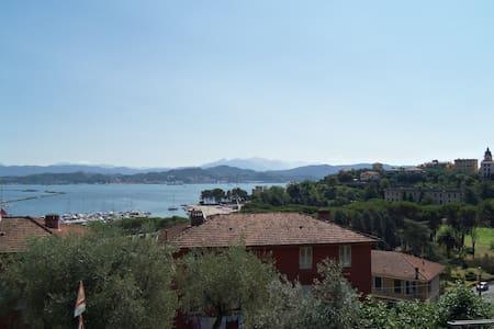 Trilocale a 15 minuti dalle 5 Terre - La Spezia