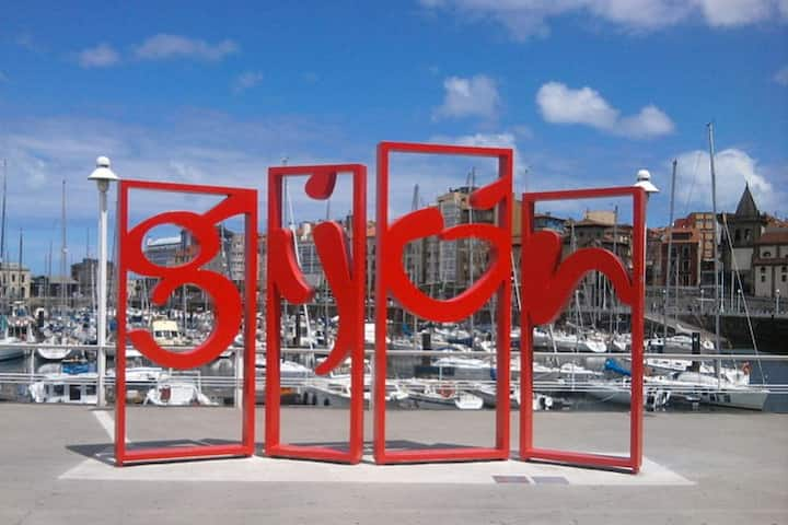 Estudio al lado del puerto Deportivo de Gijón