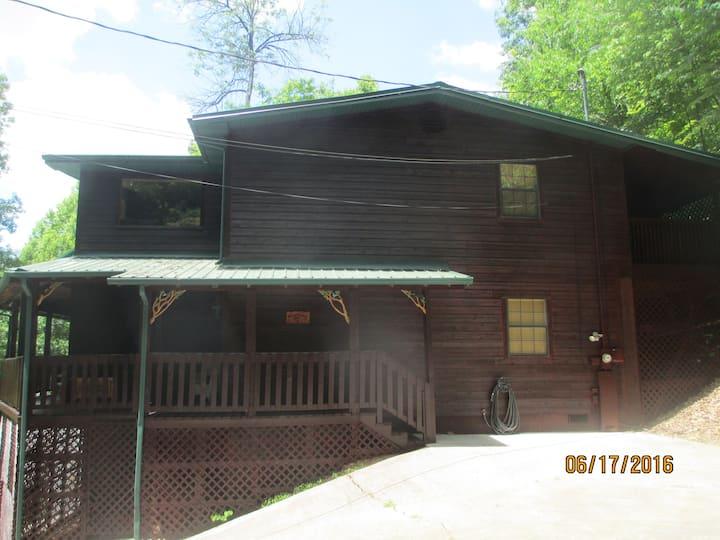 Tanner Manor Lodge