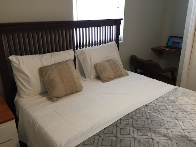 Cozy & comfy private studio near Tampa airport