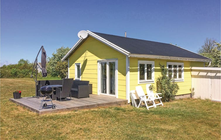 Holiday cottage with 2 bedrooms on 50m² in Löttorp
