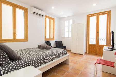 ESTUDIO JUNTO A PLAZA MAYOR (1) - Palma - Huoneisto