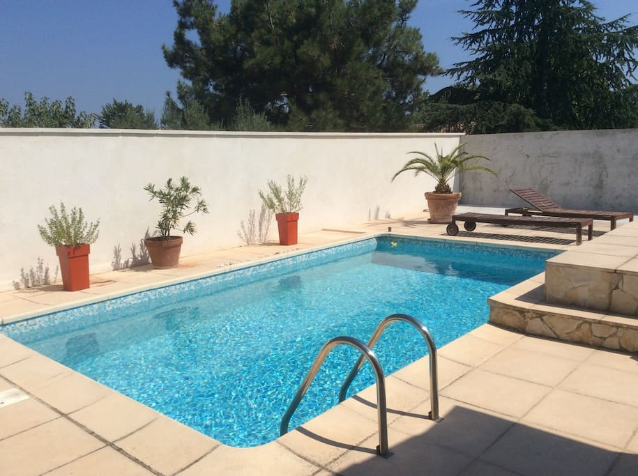 Cozy room with swimming pool case in affitto a le cannet - Euro plomberie piscine le cannet ...