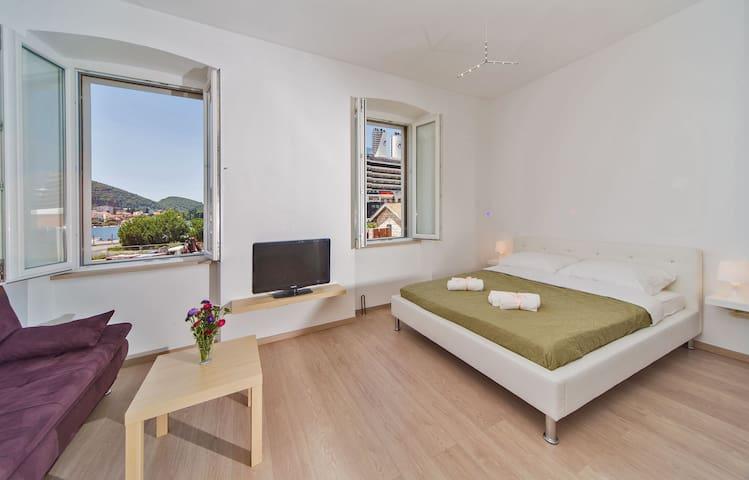 Helena apartment