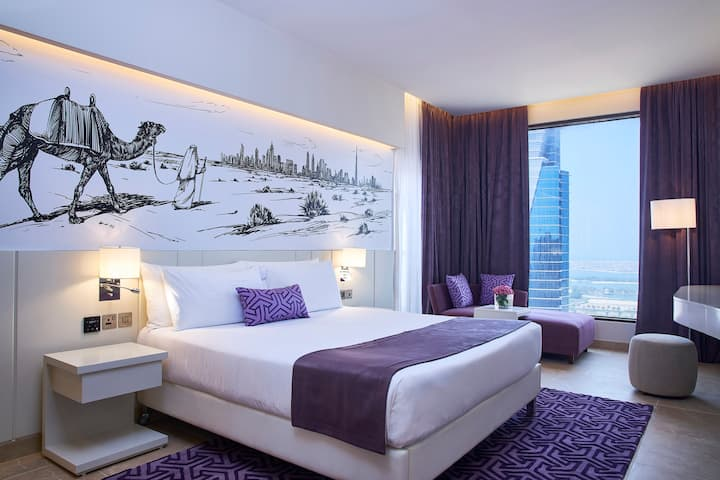 Desert City Stays Luxury 1-BR in Barsha Heights