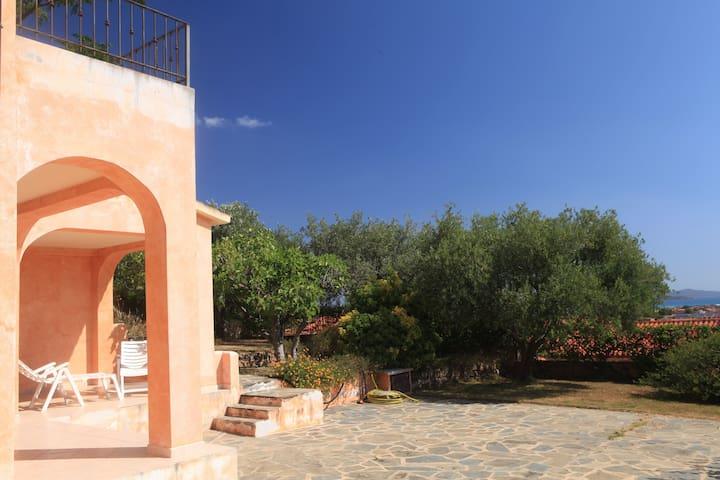 Monolocale con giardino San Teodoro - San Teodoro - Apartment