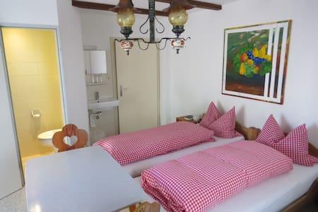 Gästehaus Huber - 3er Zimmer Triple - Feichten