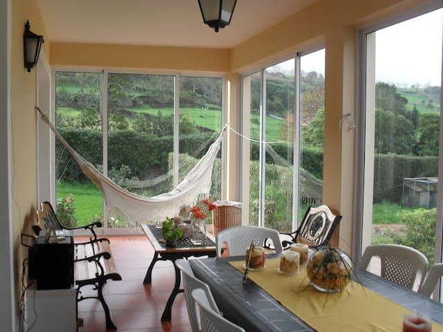Quinta Pereira, férias de sonho - Ponta Delgada - Huis