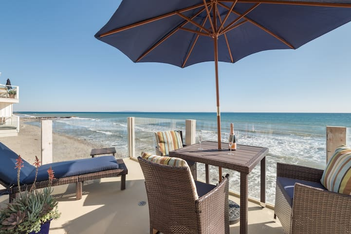 Beachfront Townhouse - Ocean Views From Every Room - Malibu - Apartment