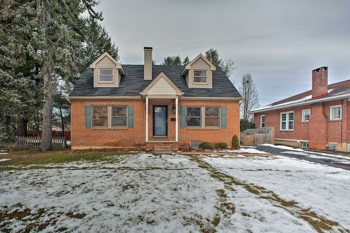 NEW! 3BR Home w/ Deck- 25 Mins to Hershey Park!