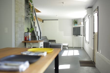 Stylish studio in West Seattle-No Contact Check-in