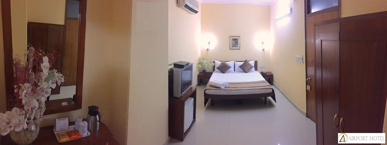 Deluxe Room in Delhi Cannt.