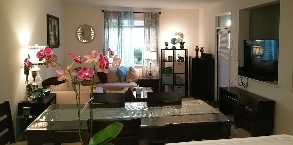 Resort-Style Luxury Gated Community Priv Room/Bath - Irvine - Apartment