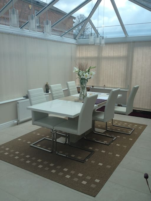 Dinning in the conservatory