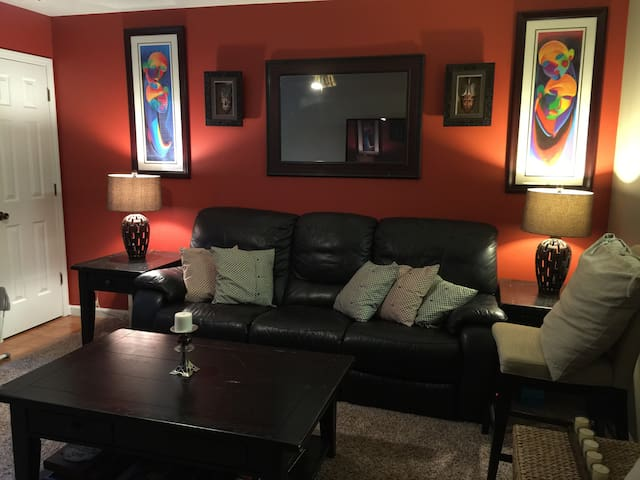 Cozy & Spacious in the City! - Decatur - Apartment