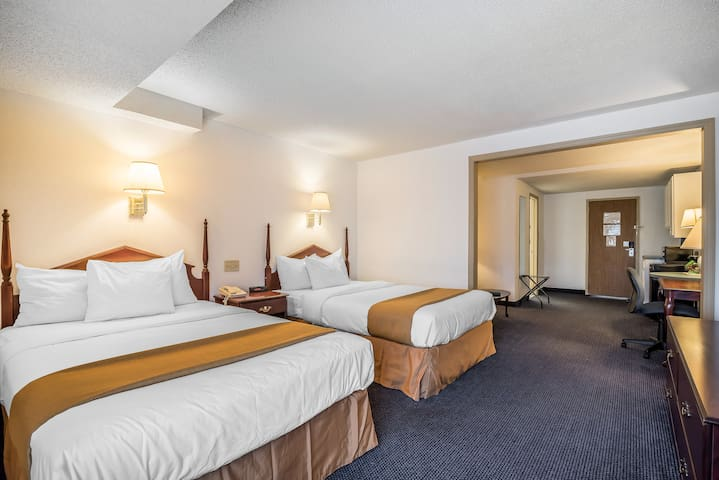 2 Bed Business Suite | Quality Inn & Suites
