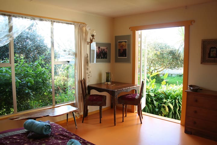 Sunny private room in Golden Bay - Takaka - Huis