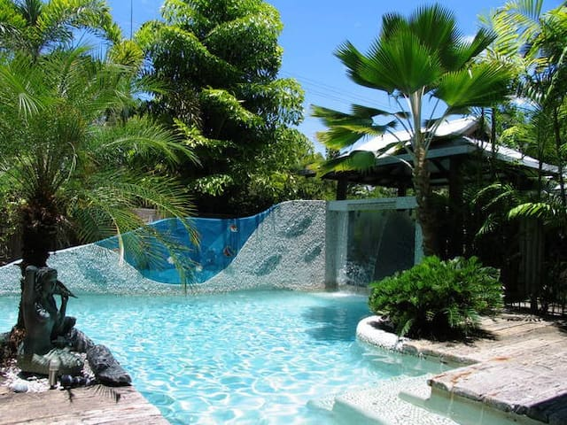 Avalon of Port Douglas - Tropical Haven
