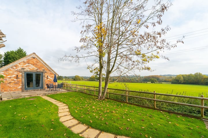 Secluded and Luxurious 4BR Barn Conversion