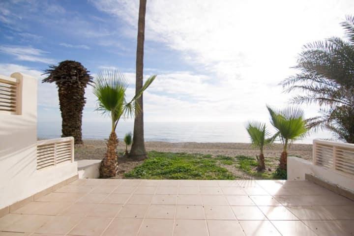 Bungalow Lujo a pie de playa. Vistas inigualables
