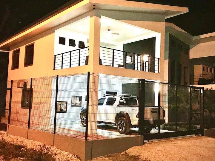 Casa Sol (Brand New Contemporary Home)