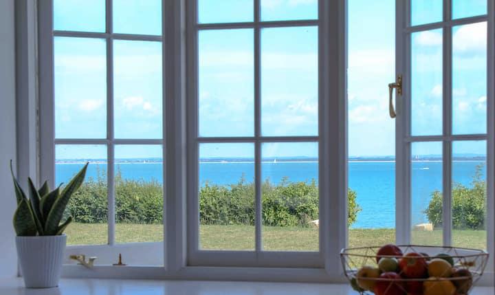 Seascape - a Luxurious Coastal Retreat