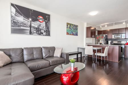 GREAT LOCATION-1BD APT VIEW+PARKING