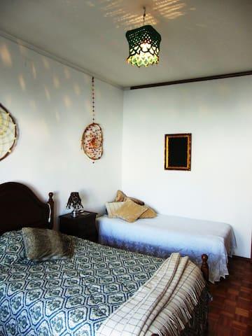 QUARTO TERRA cama corpo e meio (2px) cama solteiro (1px)