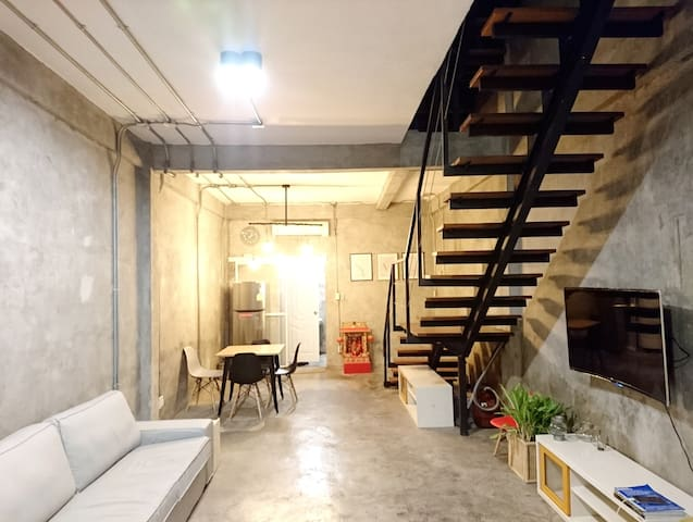 Newly Renovated House in Siam, 5 mins to BTS