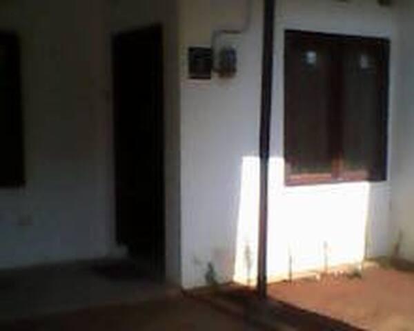 Kamar pribadi yang sejuk di Sekaran - Semarang - Casa