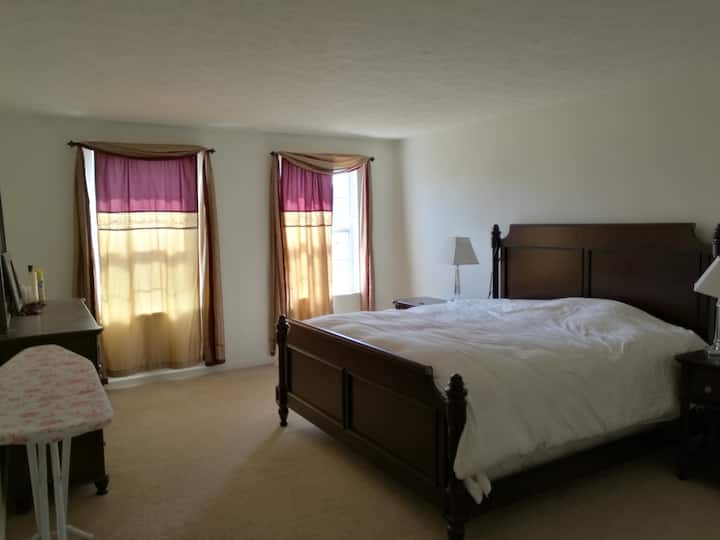 A private & spacious room in Northeast Pittsburgh