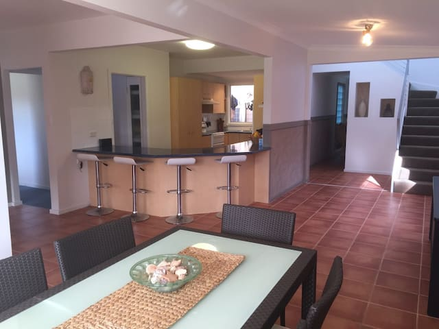 Large downstairs of 4 Bedroom house - Nowra