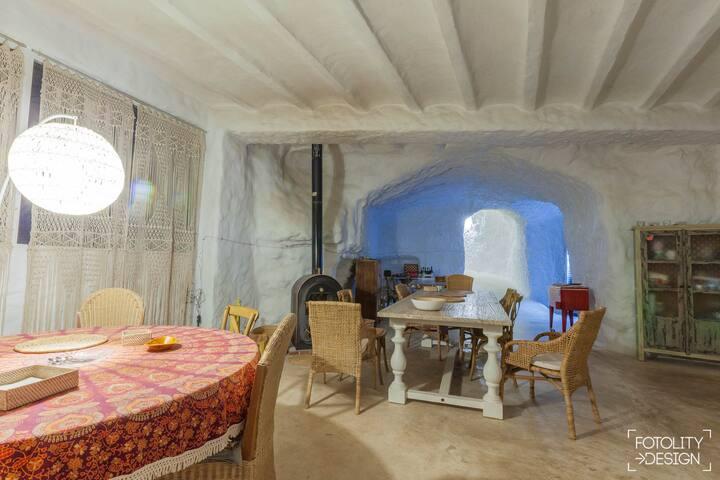 Cuevas de la Luz. Cueva habitación Pinos.