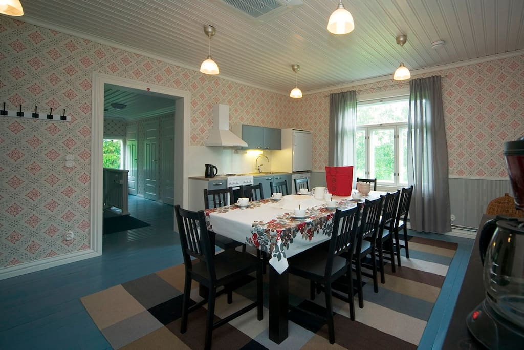The breakfast will be served in this charming shared living- and dining room between 8 A.M. and 10 A.M. unless agreed otherwise. The air-cooler is also installed in this shared room.